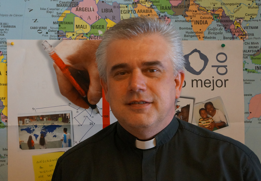 Fabio Baggio trabajó durante 4 años como Delegado de Migraciones de la diócesis de Buenos Aires siendo Arzobispo el Cardenal Bergoglio.
